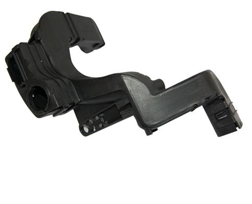 Harnais de moteur + assemblage au pied de presse d'insert sur la goulotte